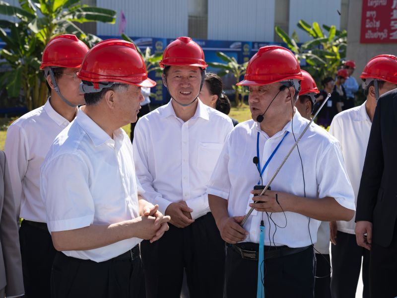 WANG Yang Visits Mekong River Bridge of Boten-Vientiane Rail...